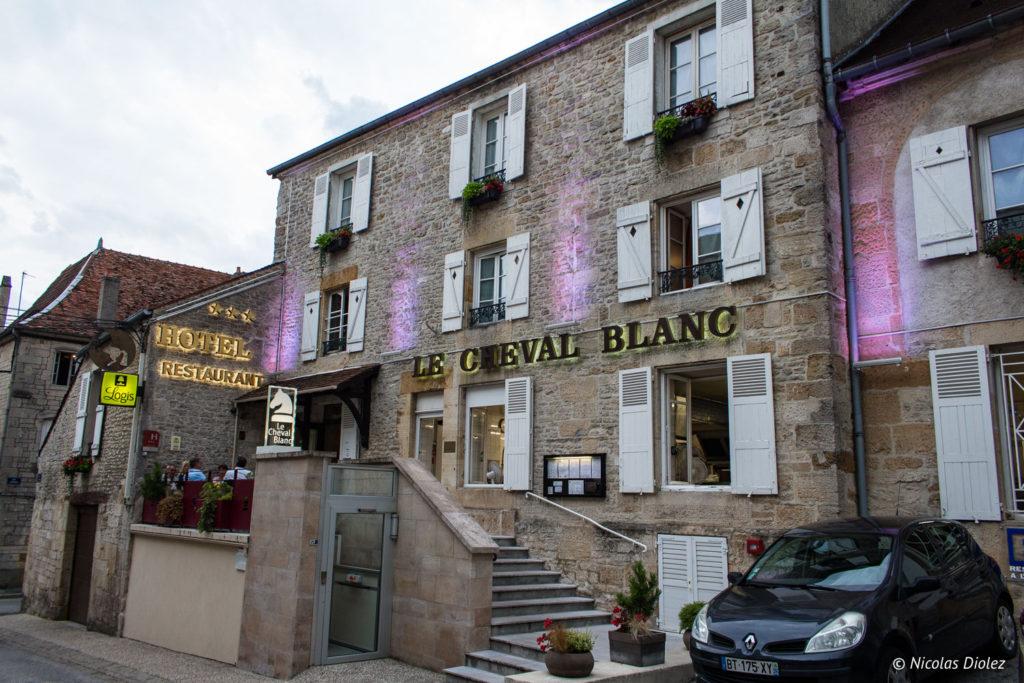 facade Le Cheval Blanc Langres
