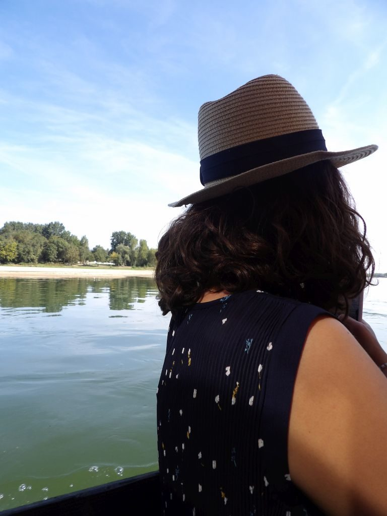 toue cabanée chapeau