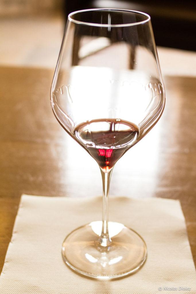 verre vin rouge Château de Meursault