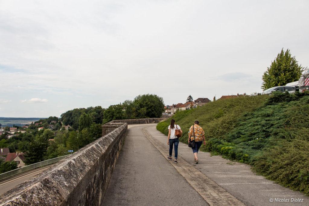 visite guidée Langres chemin de ronde