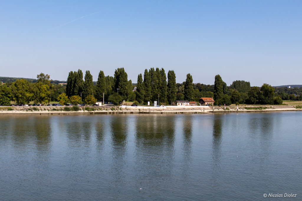 bord de Seine village de La Bouille Normandie