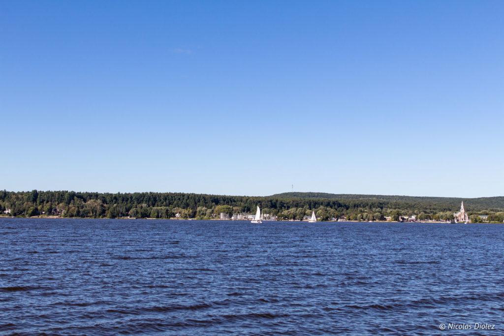 lac des Deux Montagnes Laurentides Québec