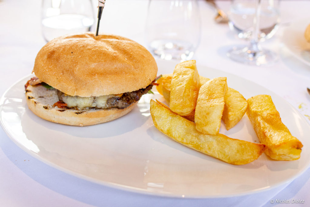 burger German Gymnasium Londres