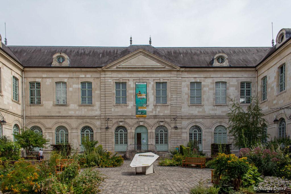 Hôtel-Dieu-le-Comte